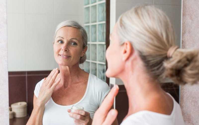 Какие процедуры для лица после 50 лет самые эффективные у косметологов